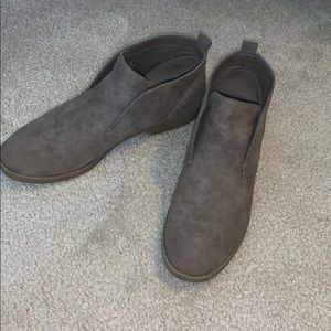 Women's ankle length boots